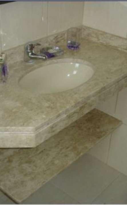 Banheiros em granito e mármore - Foto: 23