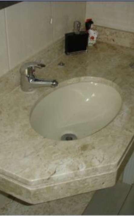 Banheiros em granito e mármore - Foto: 21