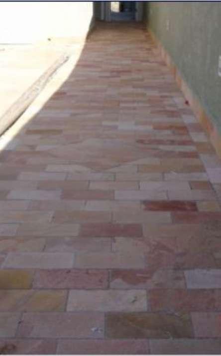 Piscinas com bordas e pisos em pedra natural - Foto: 8