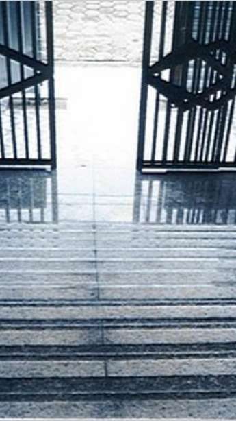 Foto: Escadas em mármore e granito