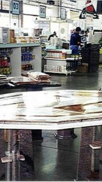 Foto: Mesas em mármore e granito