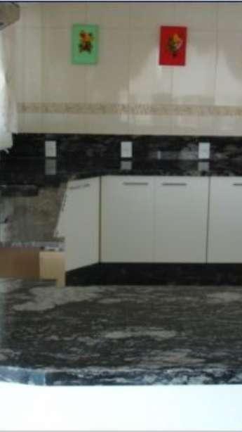 Foto: Pias de cozinha em granito e mármore
