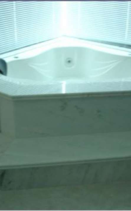 Banheiros em granito e mármore - Foto: 18