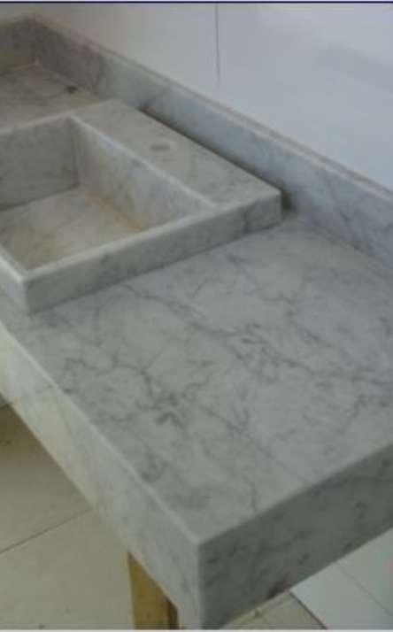 Banheiros em granito e mármore - Foto: 24
