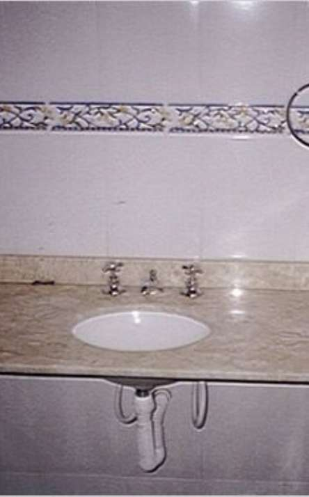 Banheiros em granito e mármore - Foto: 2