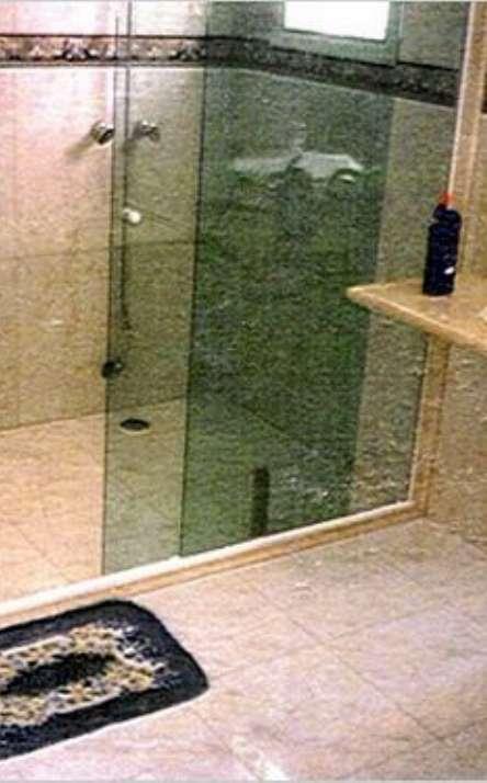 Banheiros em granito e mármore - Foto: 9