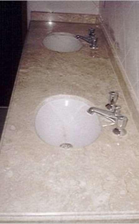 Banheiros em granito e mármore - Foto: 1